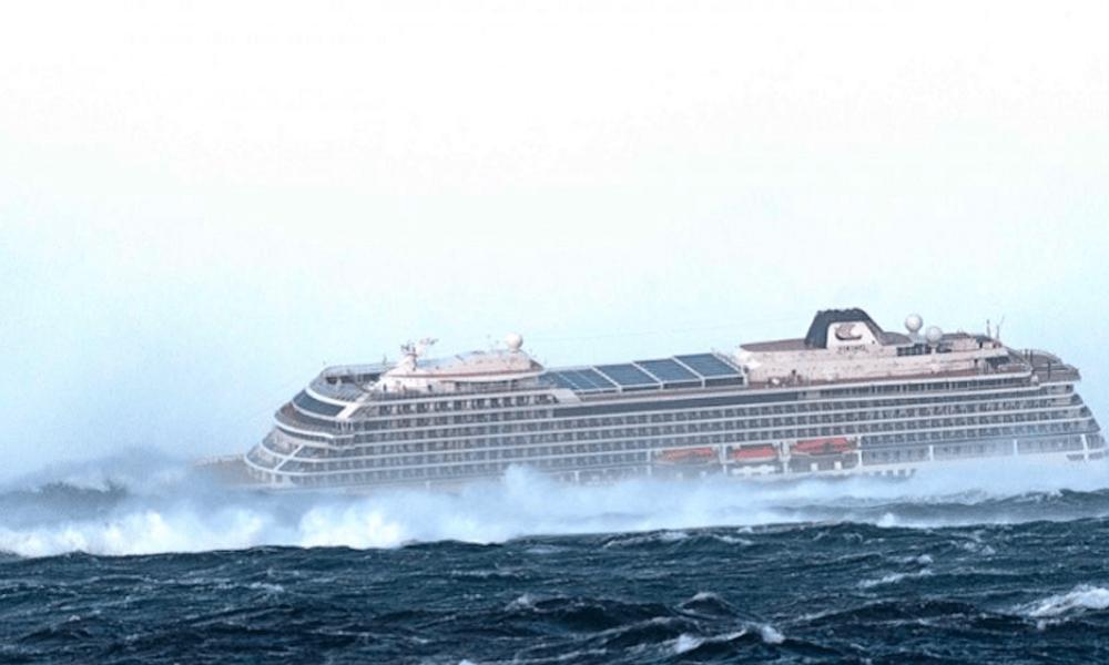 Crucero Viking Sky llega a puerto en Noruega tras dramática evacuación
