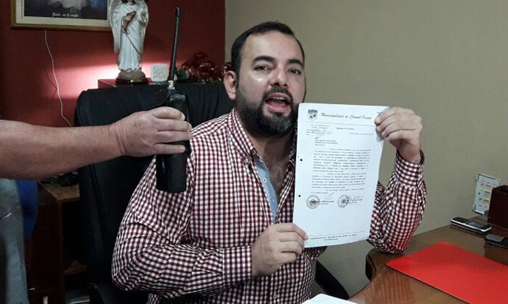 Eladio resuelve suspender cobro de sueldos y sumario a funcionario denunciado