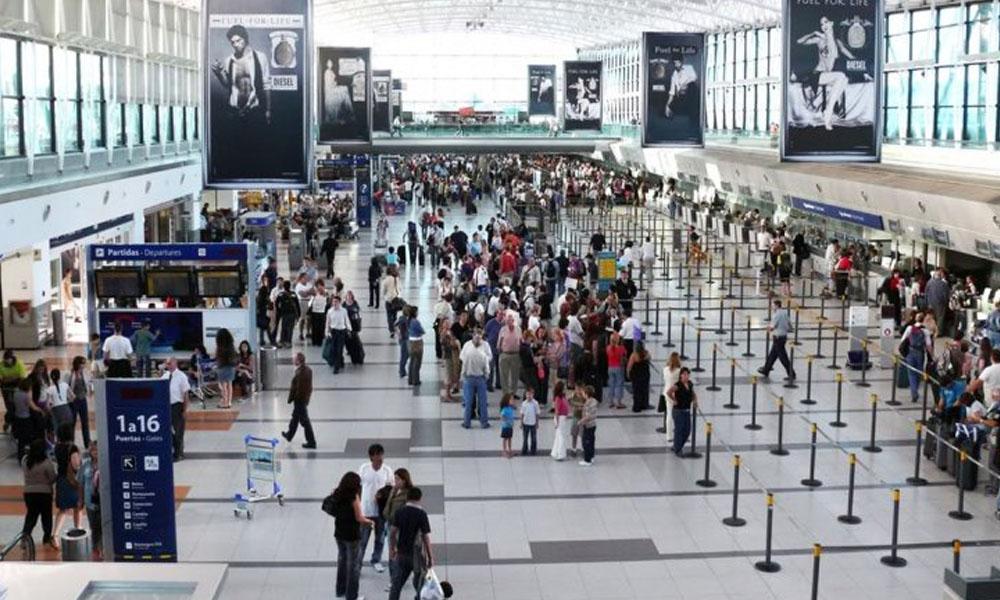 Huelga en aeropuerto de Ezeiza, demora vuelos a Buenas Aires