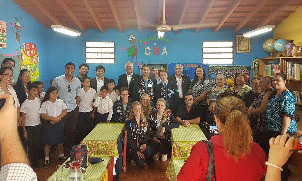 Rotary Coronel Oviedo contribuye a la disminución de la brecha digital