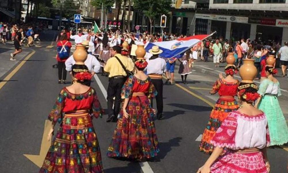 Folklore paraguayo ovacionado en Suiza