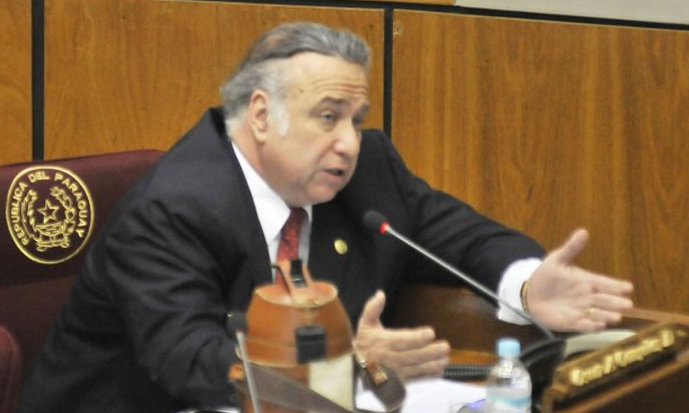 González Daher presenta renuncia al senado