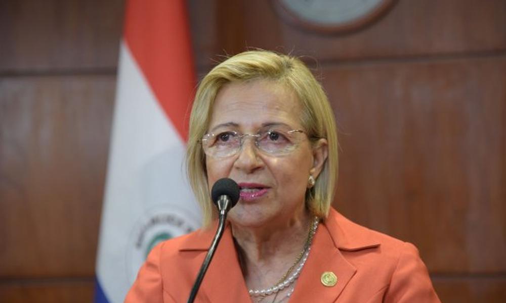 Alicia Pucheta jura como vicepresidenta del Paraguay