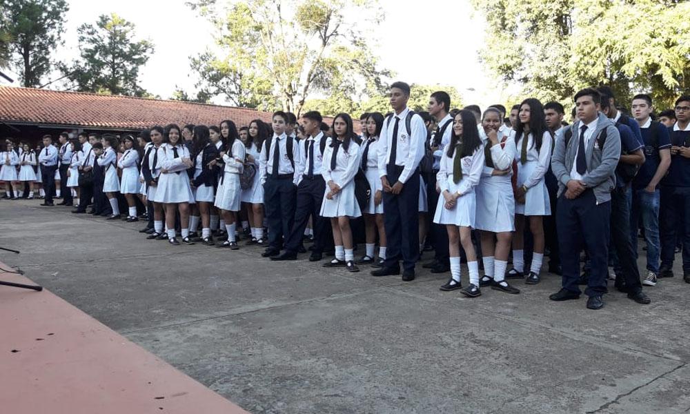 Inicia año lectivo 2019 en escuelas de Coronel Oviedo y el país