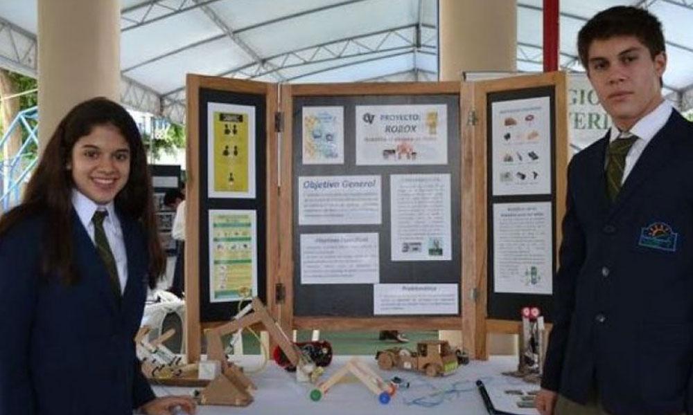 Premian a estudiante paraguaya por crear robot reciclado