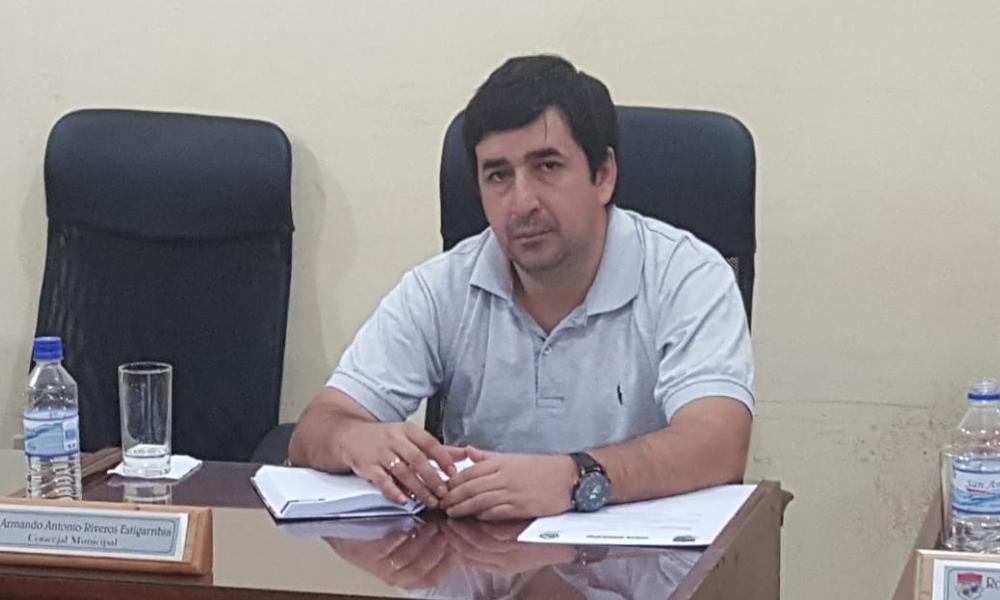 """Armando Riveros: """"Wilian Vera debe ponerse a disposición del ejecutivo"""""""