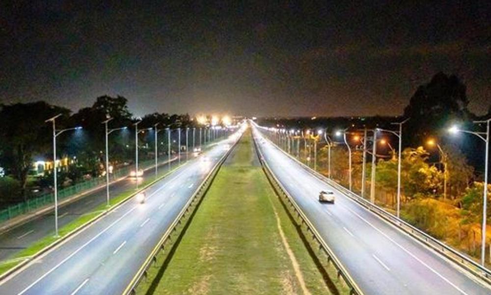 Autopista de Ñu Guasú con sistema de iluminación solar LED