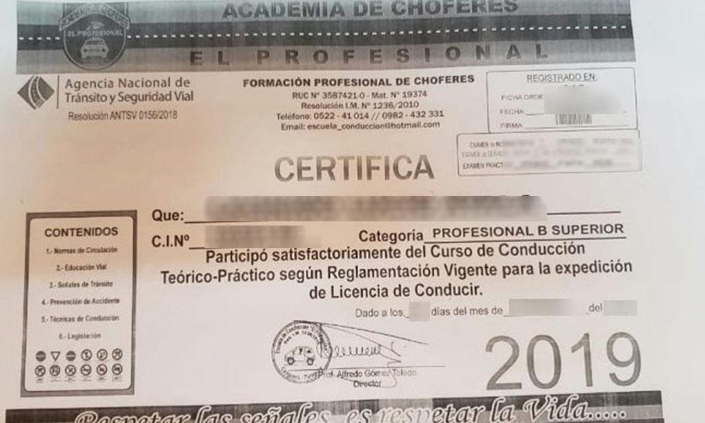 Escuela de conducción vendería certificados sin realizar cursos