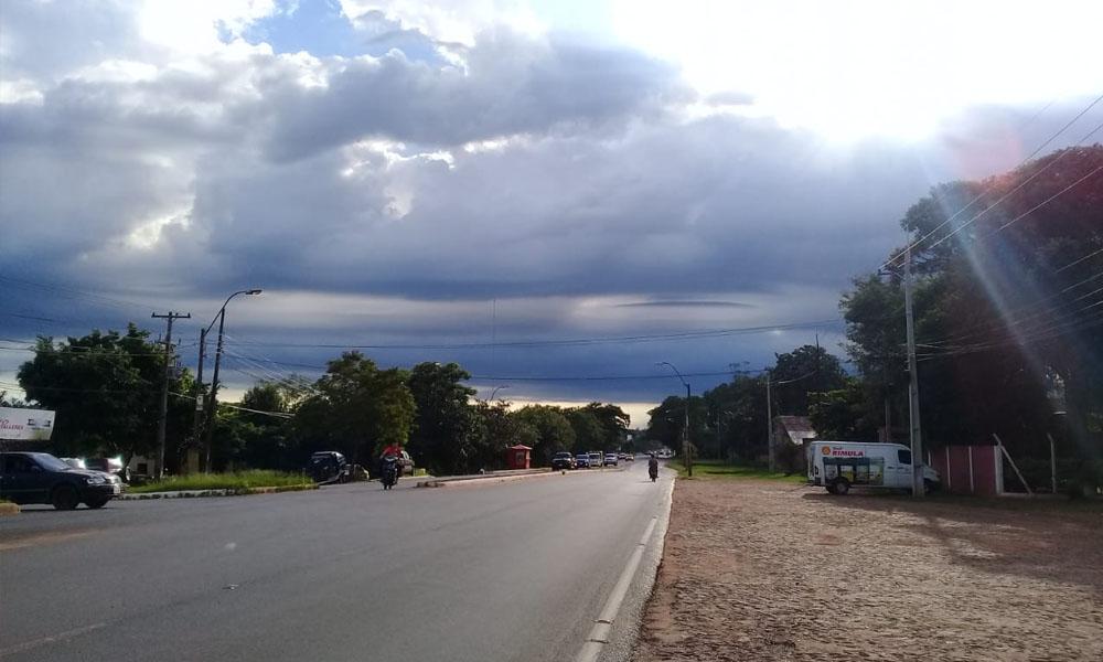 Sábado con lluvias y tormentas eléctricas