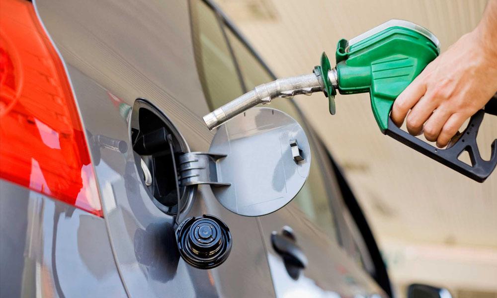 Anuncian suba en precio de combustible y pasaje