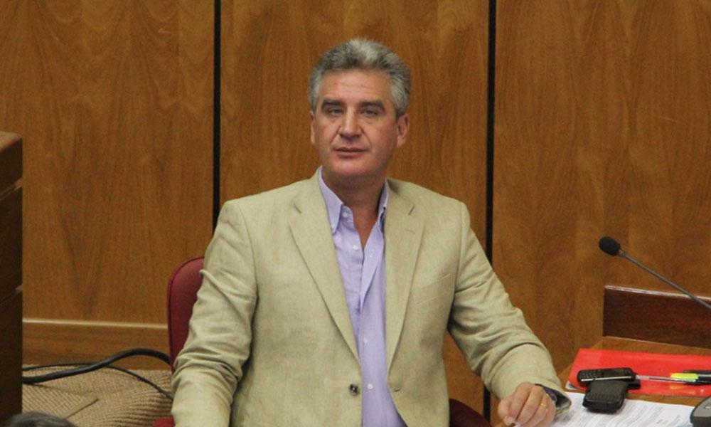 Gremios de abogados exigen la renuncia de Bacchetta