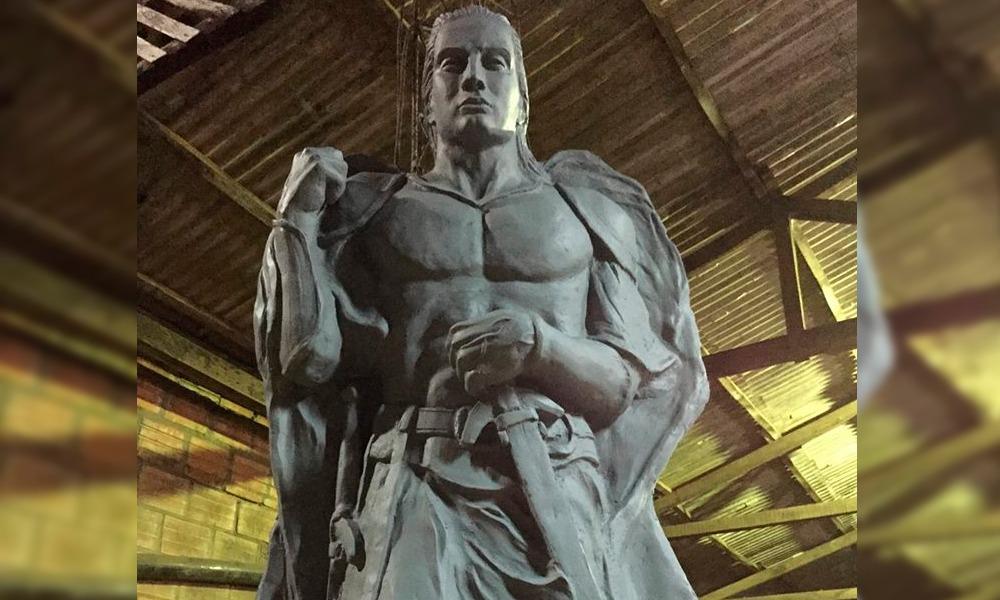 """Herib Godoy: """"Quiero terminar esta escultura y necesito un poco de material"""""""