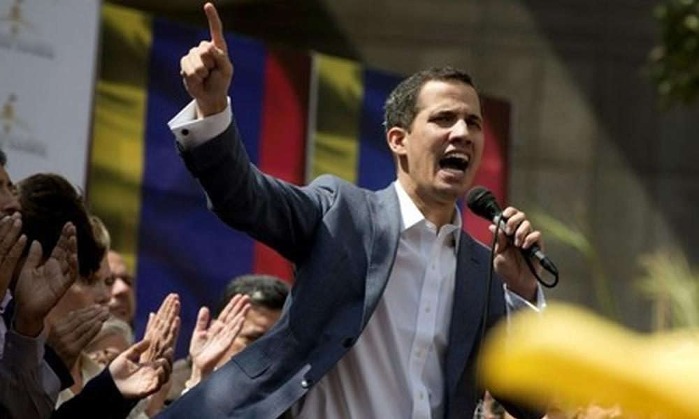Líder del Parlamento opositor se declaró presidente interino de Venezuela