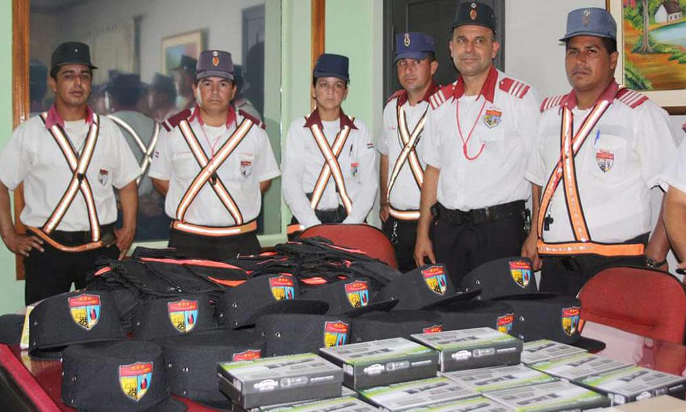 Municipalidad pagó uniformes a G. 3.4 millones cada uno