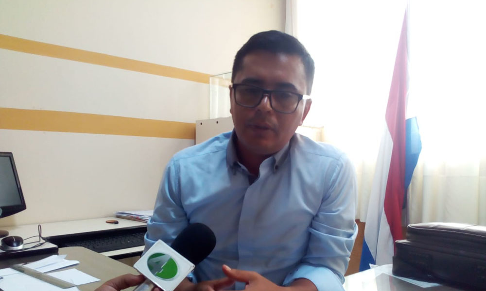 Director del Pedro P. Peña garantiza matriculación de alumnos
