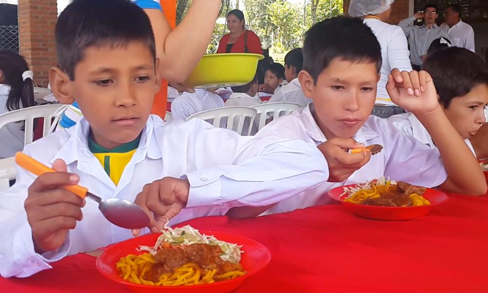 Gobernación desoye a Contrataciones Públicas y apura nueva adjudicación de almuerzo escolar