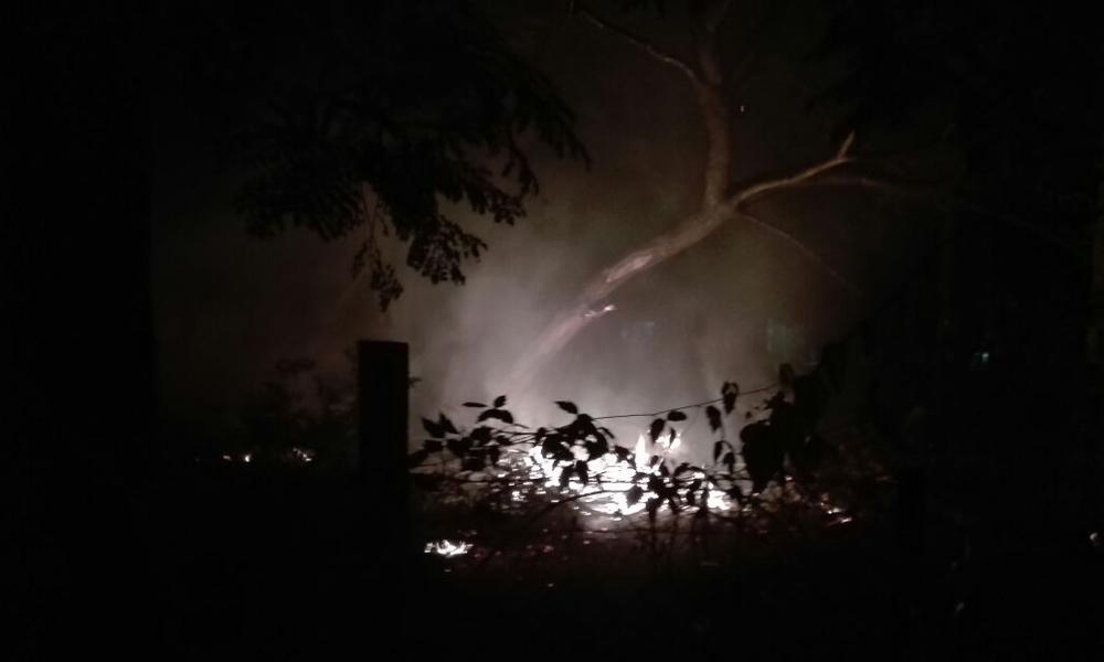 Denuncian quema de basura en la escuela Coronel Florentín Oviedo