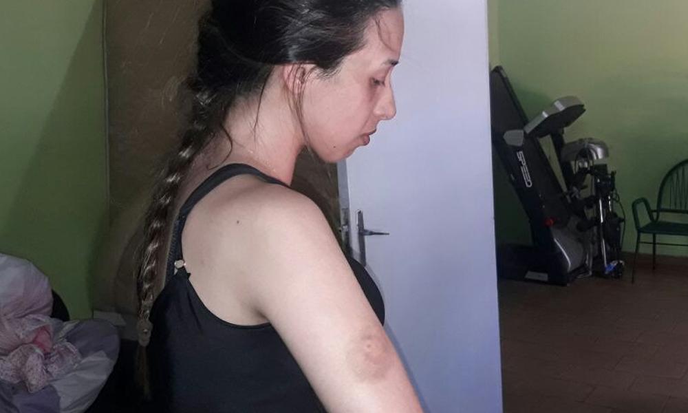 Mujer denuncia a su padre y Marcos Varela por agresión